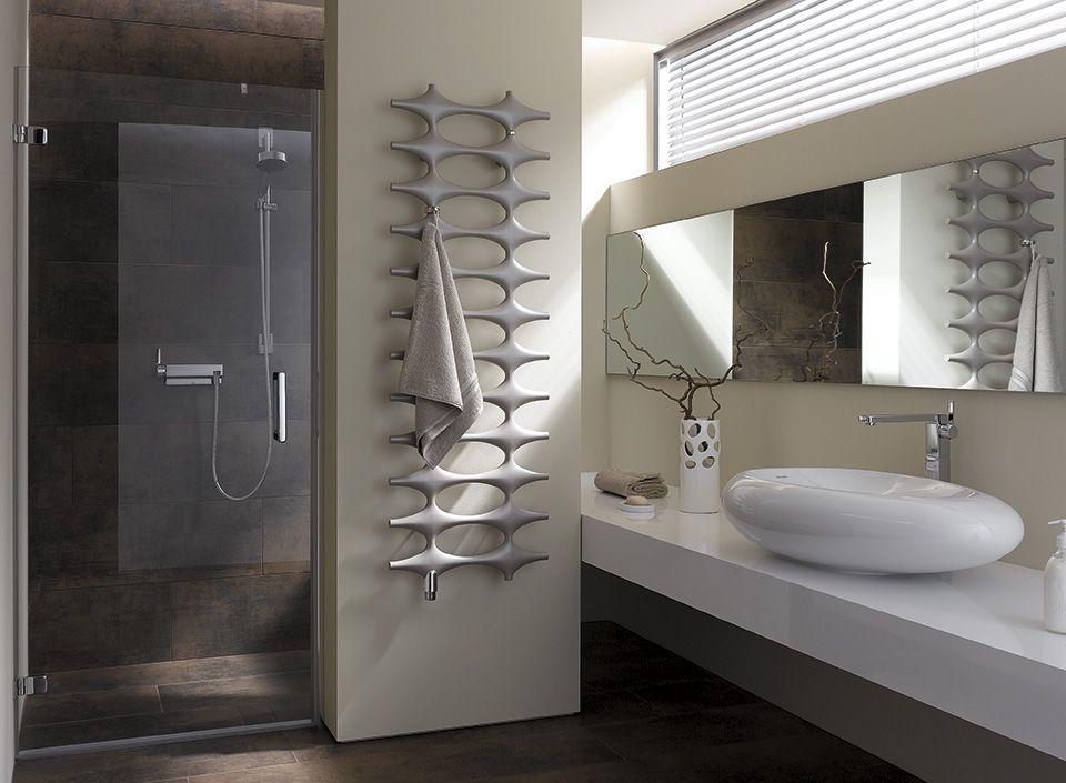 radiateur porte serviette eau chaude amazing radiateur porte serviette eau chaude with. Black Bedroom Furniture Sets. Home Design Ideas